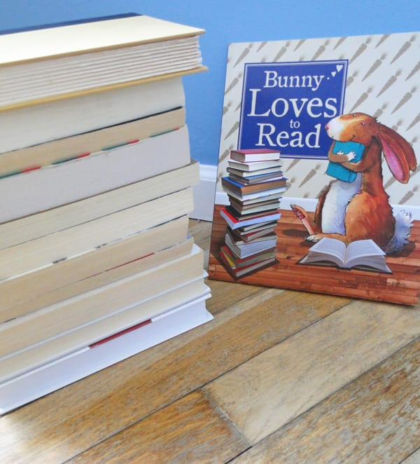 bunny loves to read by peter bently