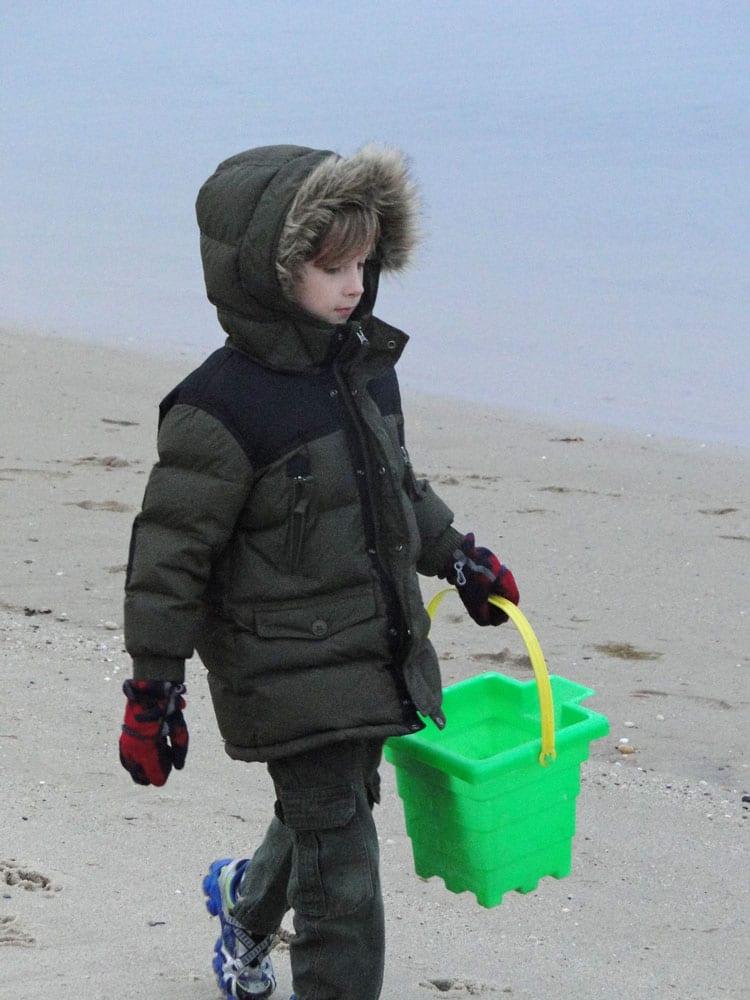 beach green bucket