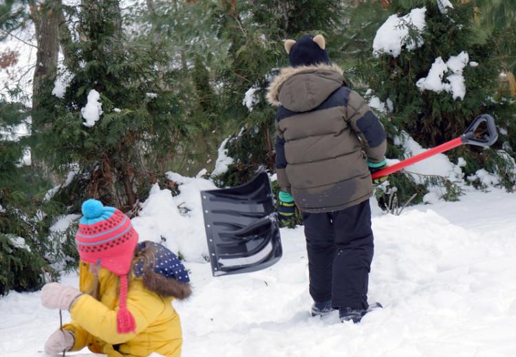 shovel build snow volcano