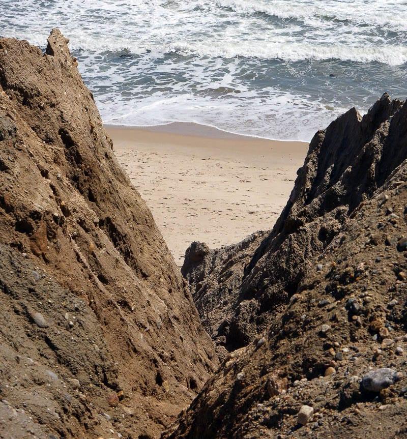 Shadmoor Montauk beach below cliff