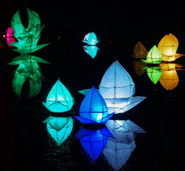 Lanterns mansion pond Wakehurst