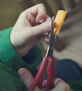 Cutting tissue paper