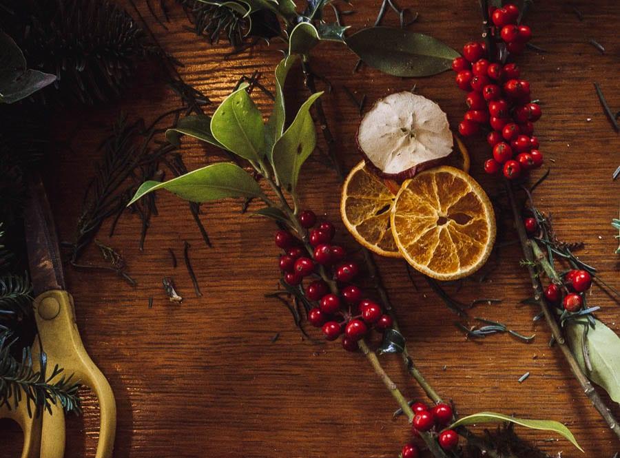 Christmas wreath scissors dried fruit spruce