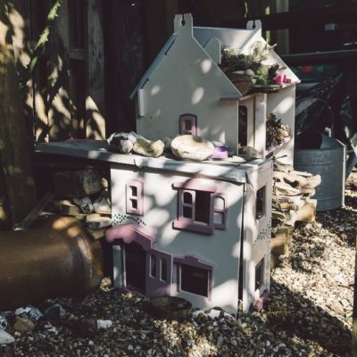 Doll's House for Bugs and Hedgehogs