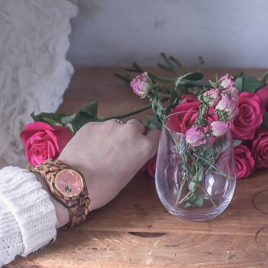 wood watch jord roses cream sweater
